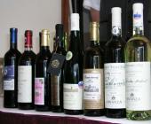 Tucet vybraných slovenských vín